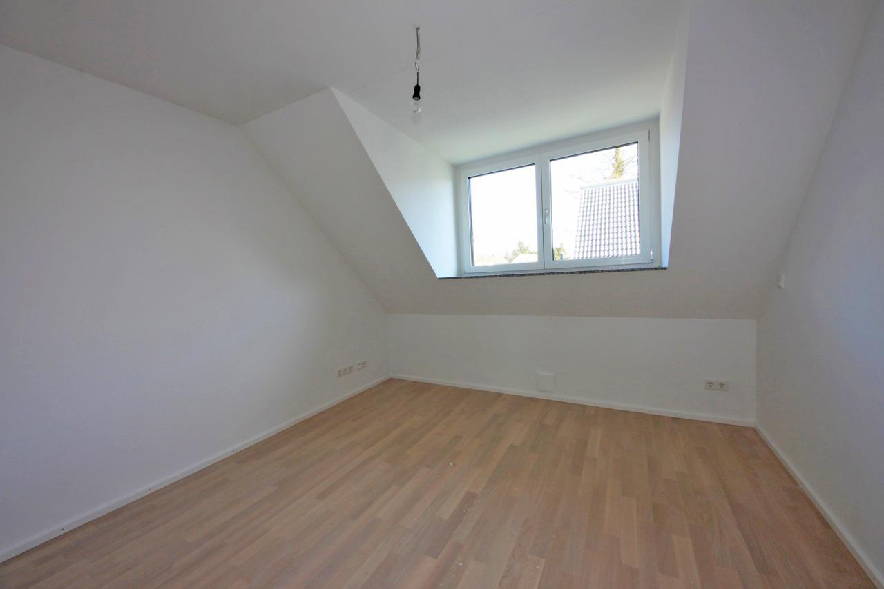 an immobilien objektdetails. Black Bedroom Furniture Sets. Home Design Ideas